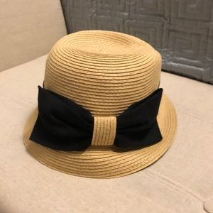 Strawlike summer hat